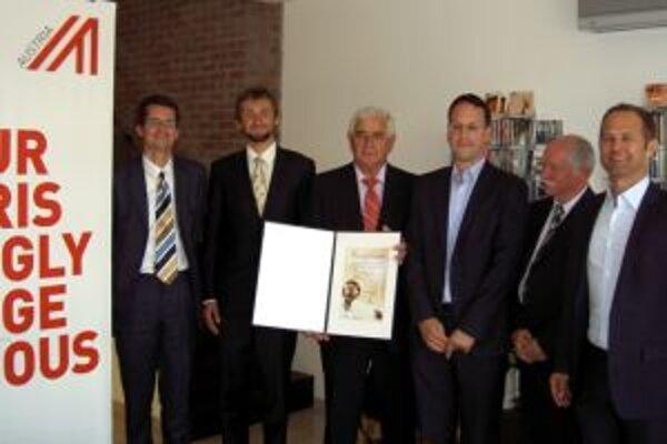 V minulých dňoch sa uskutočnilo  v Bratislave slávnostné odovzdávanie ceny ENERGY GLOBE AWARDS SLOVAKIA 2013. Laureátmi sa v tomto roku stali Ján Pokrivka a Michal Gažovič.