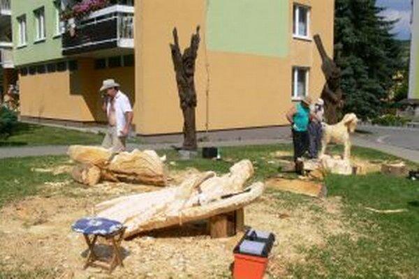 Tento rok Drevené tajomstvá zavŕšili trojročný projekt výroby turzovského dreveného betlehema.