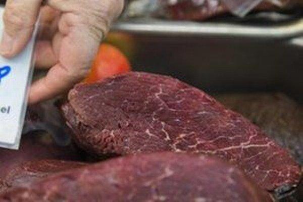 Predaj mäsa a jeho pôvod kontrolujú inšpektori veterinárnej správy.