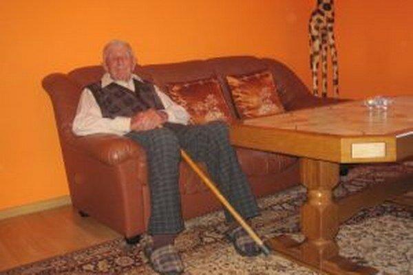 Pán Karol Gelačák oslavuje dnes už stodruhé narodeniny.