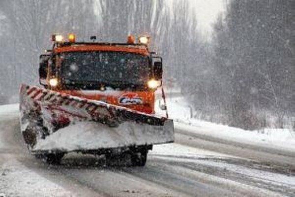 V posledných rokoch býva zima čoraz náročnejšia na údržbu.