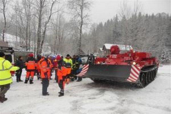 Záchranári si v Korni odskúšali súčinnosť pri záchranných prácach.