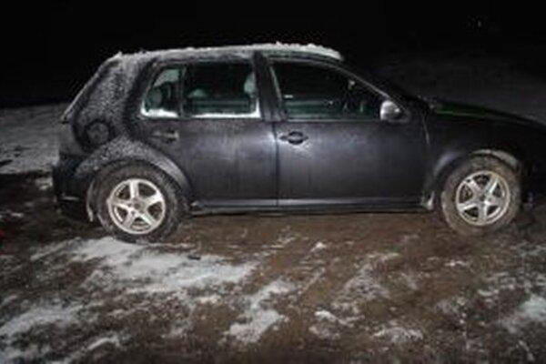 Vodičovi namerali  0,96 mg/l alkoholu v dychu a na mieste mu zadržali vodičský preukaz.