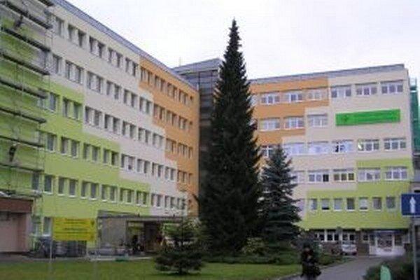 V Kysuckej nemocnici v Čadci sa bude pokračovať v zatepľovaní budovy a znižovaní jej energetickej náročnosti.