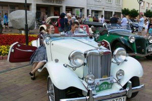 Vlani si titul Najelegantnejší veterán odnieslo vozidlo MGTD vyrobené v roku 1952.