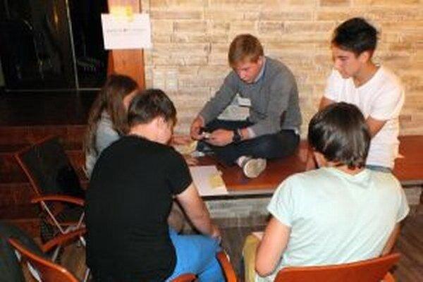 Mesto Trenčín vyhlásilo druhé dotačné kolo na aktivity v oblasti práce s mládežou.