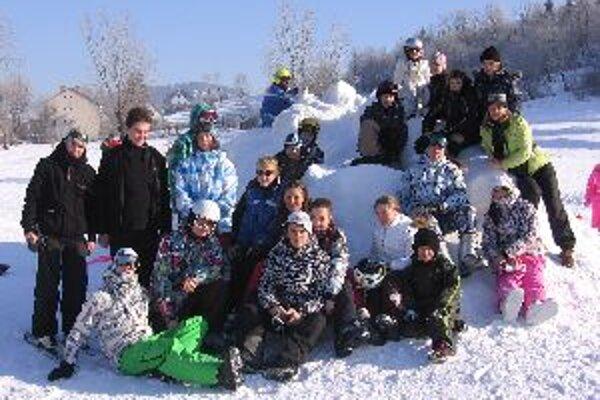 V minulých dňoch si deti užívali zimné radovánky v Oščadnici.