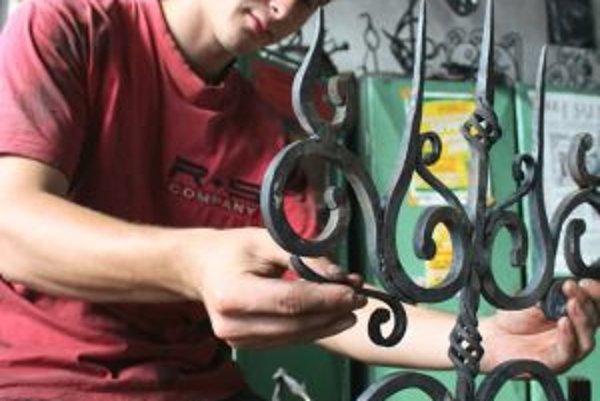 V kaštieli sa prezentujú aj umeleckí kováči.