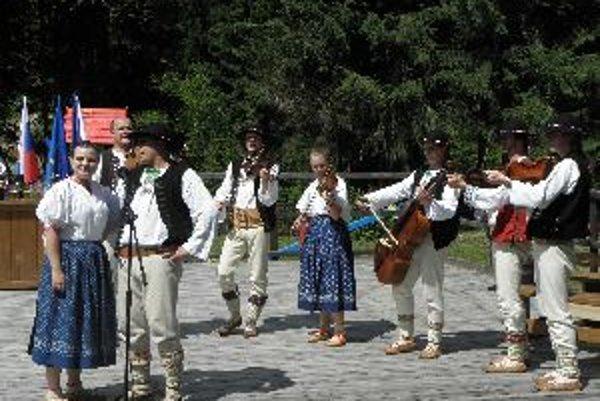 Na spoločných podujatiach vystúpil aj súbor Gorole z ČR.
