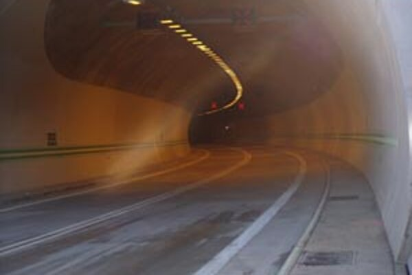 Tunel v Horelici pre vodičov uzatvoria.