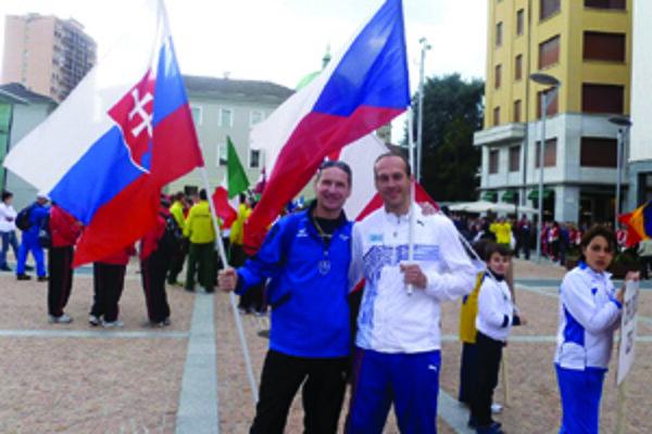 Peter Tichý (vľavo).