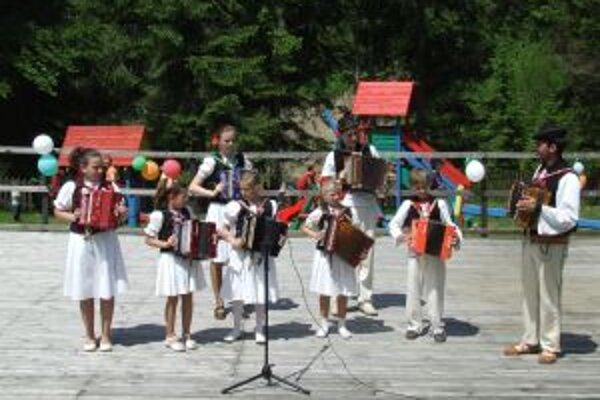 Heligónkári sa v kysuckom skanzene predstavia v nedeľu 13. mája.