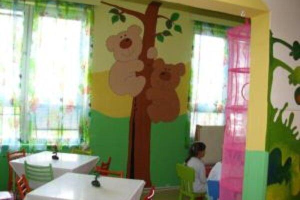 Niektoré deti prežívajú prázdniny v nemocnici.