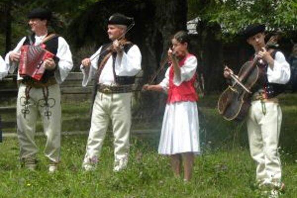 V programe sa predstaví aj Ľudová muzika spod Grúňa z Vysokej nad Kysucou.