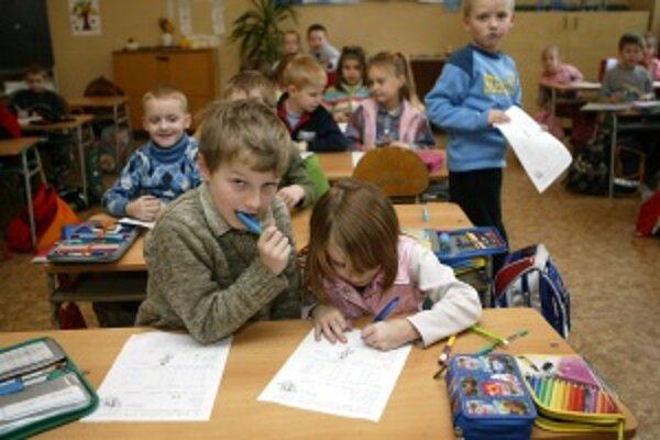 Deti si za pár dní sadnú  do školských lavíc.