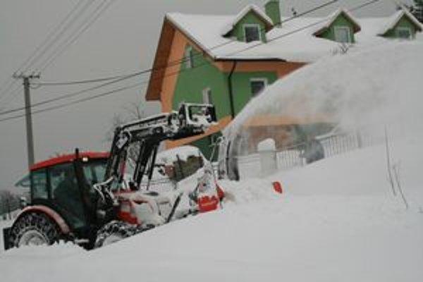 Sneh zavalil pred necelým rokom kysucké obce.