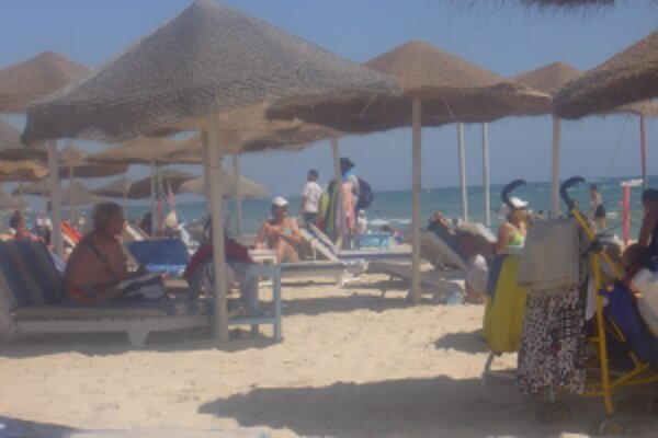 Pri výbere letnej dovolenky si treba dobre pozrieť popis v katalógu aj na internete.