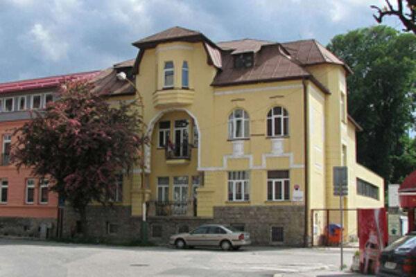 Štatistický úrad v Žiline kraja zabezpečuje zisťovanie mestskej a obecnej štatistiky, spotrebiteľských cien.