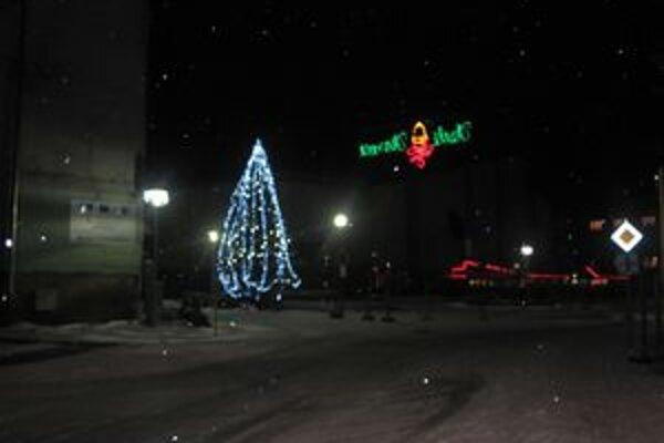 Na Vianočnej výzdobe mestá nešetrili.