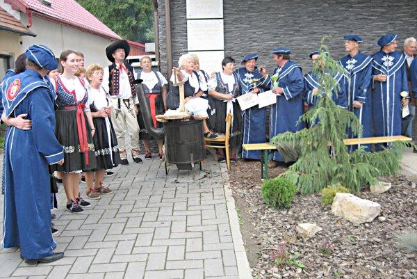 Slovenskí rytieri rádu destilátov nepohrdli ani domácim lekvárom.