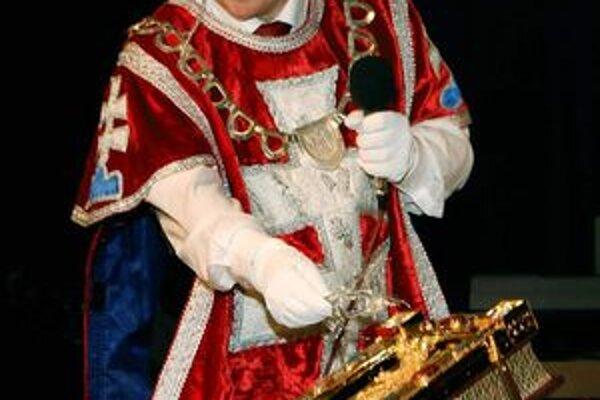 Knihu pokrstil drôtenou vetvičkou herald Slovenskej republiky Ladislav Vrtel.
