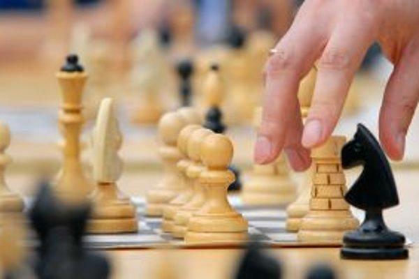 Šachistom z Čadce sa túto sezónu darí. Hrajú o čelo extraligy.