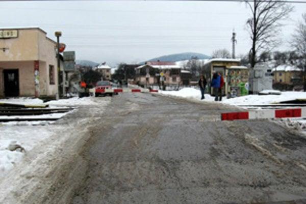 Na tomto úseku došlo k nehode. Po zrážke s vlakom prišiel o život 47-ročný Kysučan.