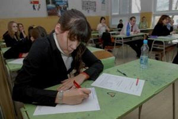 Žiaci písomne maturovali tri dni.