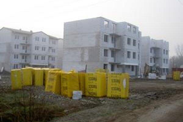 Ak bude počasie výstavbe aj naďalej priať, ich vlastníci sa do nich nasťahujú ešte do konca roka.