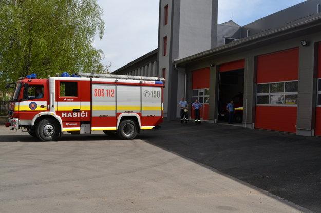 Zmodernizovaná hasičská stanica v Lučenci.