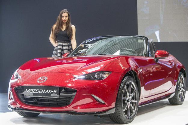 Mazda MX-5, na autosalóne má svoje miesto aj toto malé, ale jazdecky zábavné auto