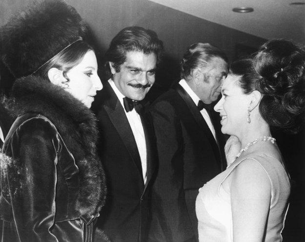 Barbra s Omarom Sharifom a britskou princeznou Margaret na premiére filmu Funny Girl