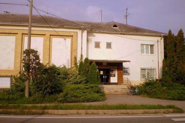 Miestnosť je na prízemí Kina Tatra.