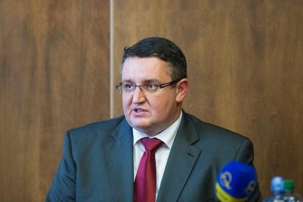 Martin Senčák odíde po dohode so šéfkou, ktorá odchádza po rozhovore sministrom.
