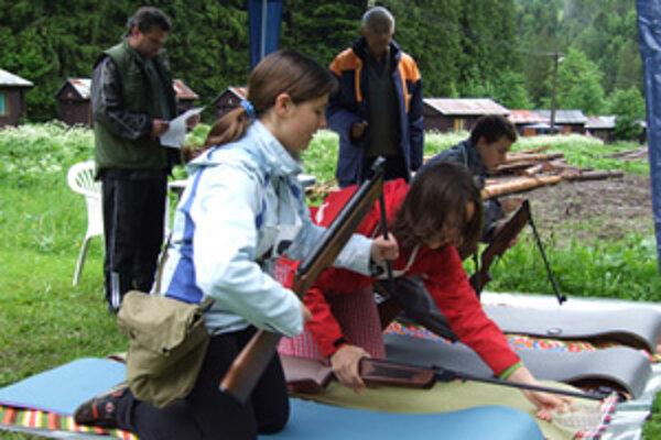 Mladí záchranári súťažili vo Vrátnej.
