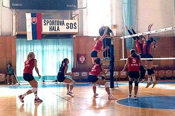 Hráčky UKF Nitra si pripísali dve výhry a dve prehry.
