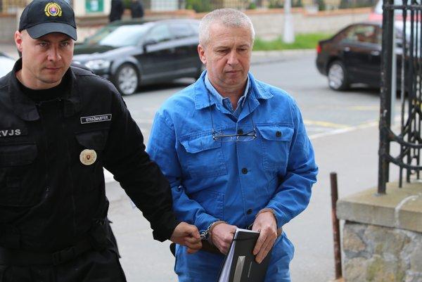 František Matík prichádza na pojednávanie na Špecializovanom trestnom súde.