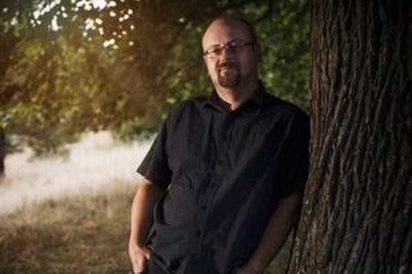 Spisovateľ Juraj Červenák pochádza z Vyhní. Žije v Banskej Štiavnici.