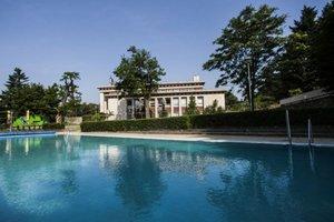 Bazén Ekoiuventy na Búdkovej ulici je dlhý 25 metrov. Kúpať sa v ňom dá už od včera.