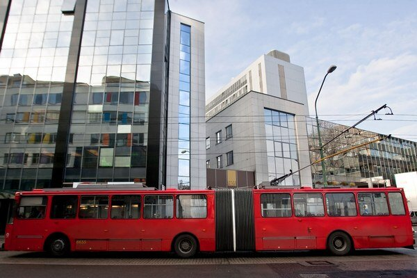 Trolejbusy 205 a 207 a autobus číslo 50 jazdiace okolo autobusovej stanice odklonia.