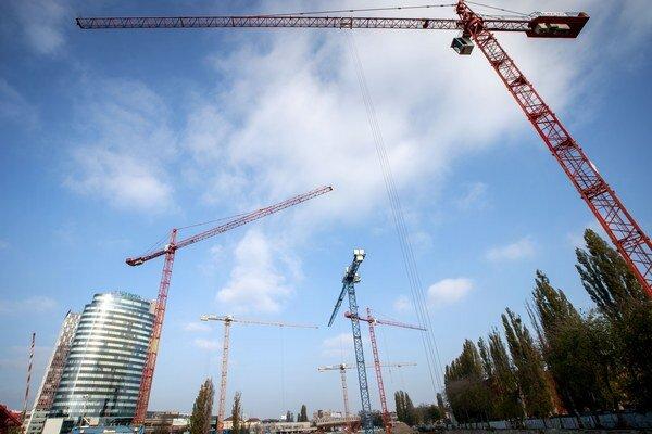 Vysoké budovy sa na Mlynských nivách rozrastú.