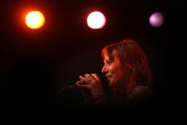 Do Noci literatúry sa v Banskej Štiavnici zapojí aj speváčka a herečka Szidi Tobias.