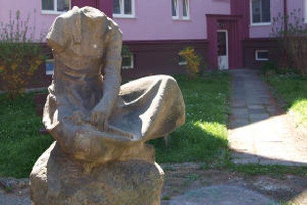 Takto torzo sochy pozná väčšina Žiarčanov.