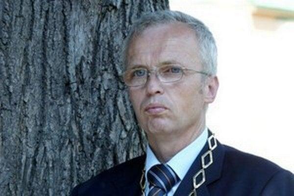 Starosta Lamača Peter Šramko.