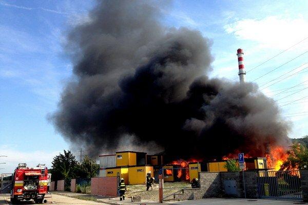 Požiar unimobuniek na Poliankach.