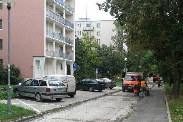 Cestu na Medzilaboreckej ulici opravia za 33-tisíc eur.