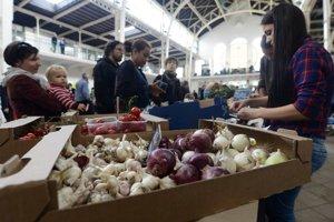 V Starej tržnici sa v sobotu konal prvý potravinový trh pod záštitou Aliancie Stará tržnica.