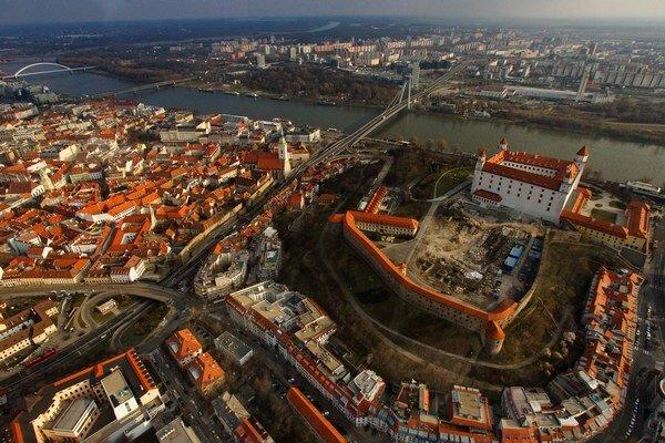 Ako to vidíte s Bratislavou?