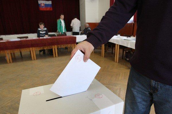Voľby do VÚC budú v sobotu 4. novembra 2017 od 7.00 do 22.00
