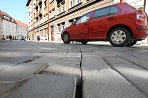 Vjazdov áut do pešej zóny je viac, najmä jednorazových.